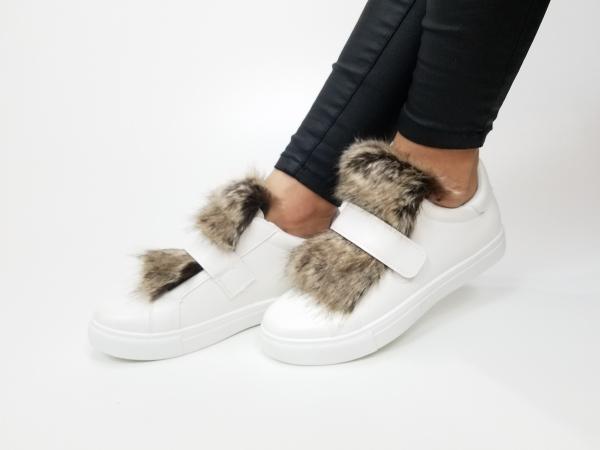 Incaltaminte White Furry - Pantofi Sport 1