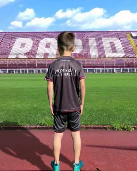 Echipament oficial pentru copii, 2018 Fourteen, Gri 1