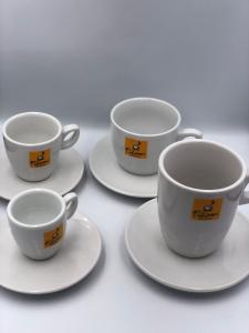 Ceramica Filicori Zecchini, Ceasca si farfurie,  Intermediara/caffee lungo1