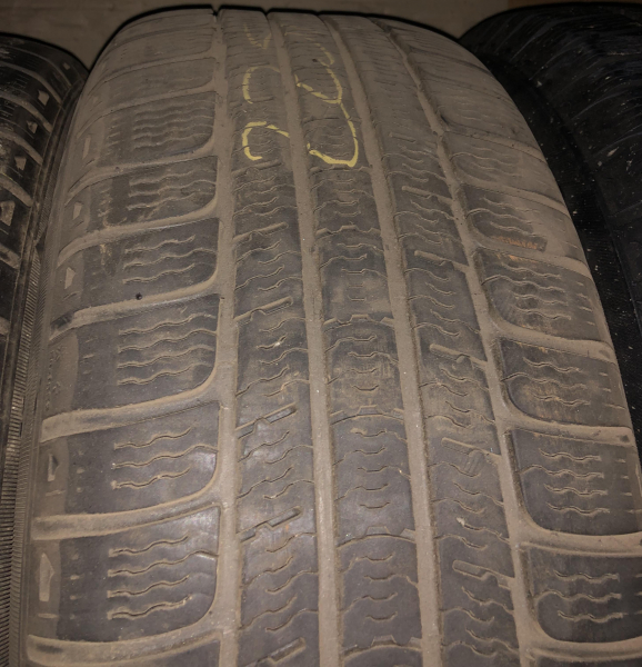 set 2 anvelope 225/60 R16 sh iarna Michelin 5mm cu garantie 2