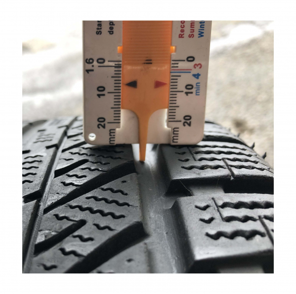 set 2 anvelope 195/55 R16 sh iarna Brigestone 7.5mm cu garantie [4]