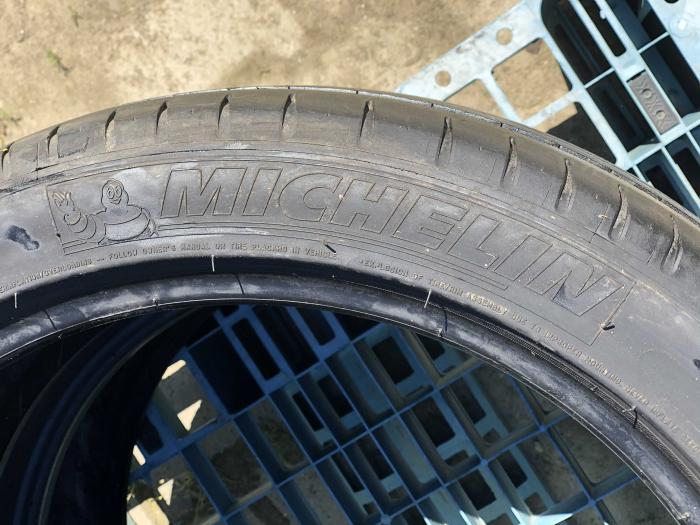 set 2 anvelope 215/45 R18  sh vara Michelin 5mm cu garantie [3]
