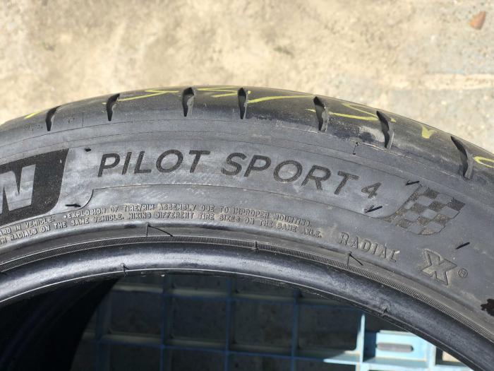 set 2 anvelope 215/45 R18  sh vara Michelin 4.5mm cu garantie [4]