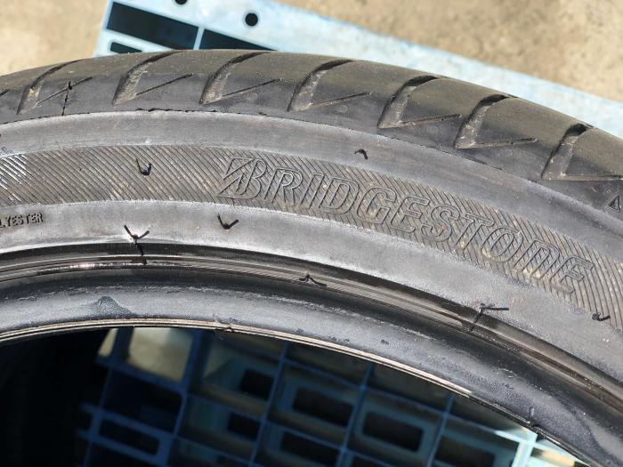 set 2 anvelope 235/40 R18  sh vara Bridgestone 5mm cu garantie [5]