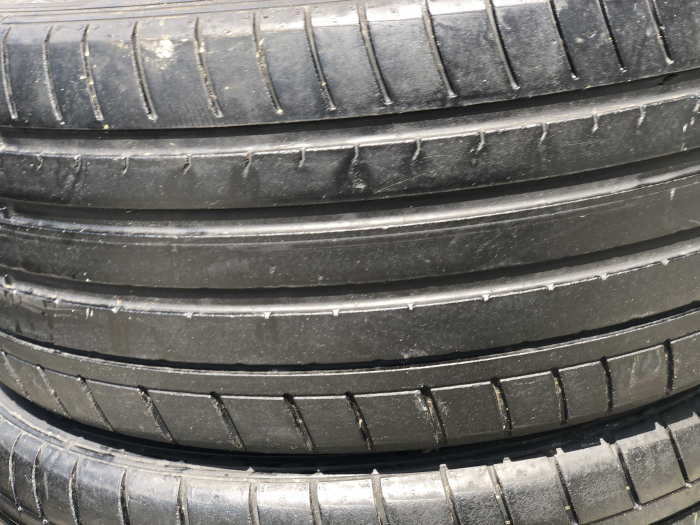 set 4 anvelope 225/40 R18  sh vara Dunlop 6.5mm cu garantie [1]