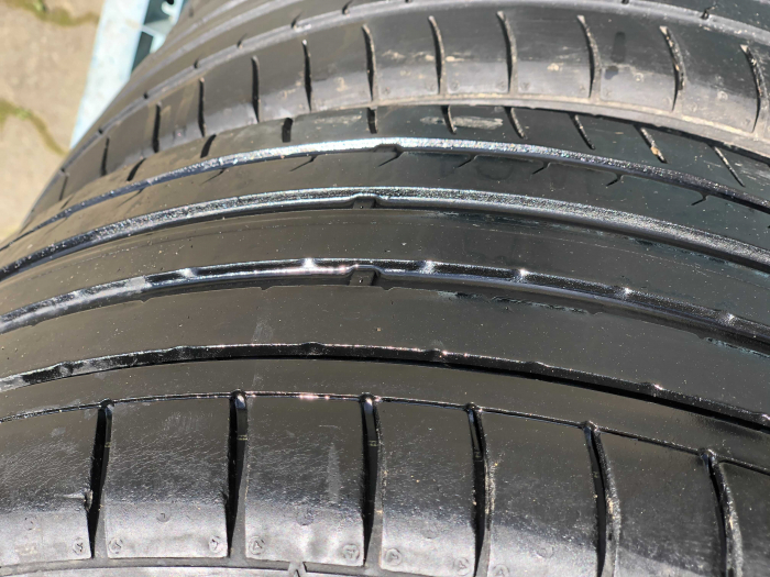 set 4 anvelope 225/40 R18  sh vara Dunlop 6.5mm cu garantie [2]