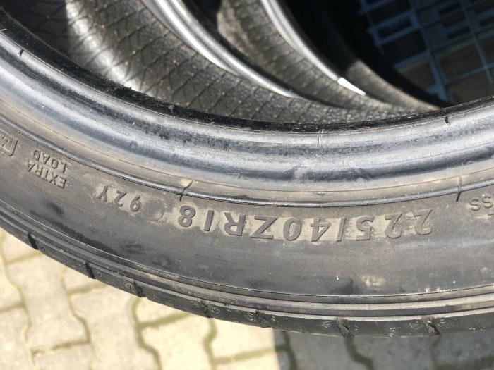 set 4 anvelope 225/40 R18  sh vara Dunlop 6.5mm cu garantie [5]