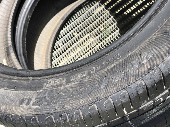 set 2 anvelope 255/45 R20 sh vara Pirelli 6mm cu garantie [3]