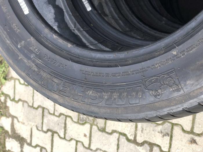 set 2 anvelope 215/55 R16 sh vara Michelin 5mm cu garantie [3]