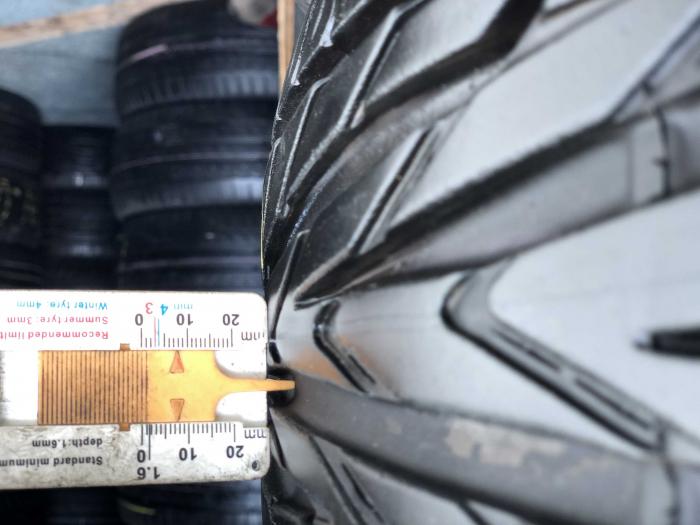set 4 anvelope 215/65 R16 98H sh vara Uniroyal 7mm cu garantie [7]