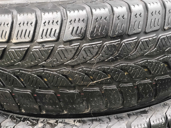 set 2 anvelope 175/70 R14 84T sh iarna Uniroyal 6mm cu garantie [1]