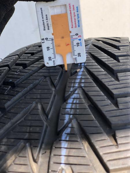 set 2 anvelope 225/55 R17 sh iarna Vredestein 7.5mm cu garantie 6