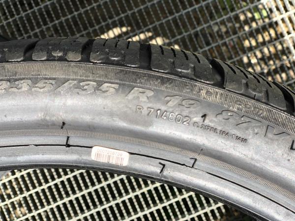 set 2 anvelope 235/35 R19 sh iarna Pirelli 7.5mm cu garantie 4