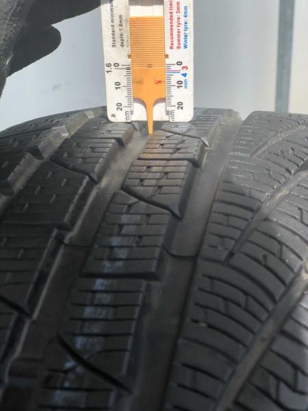 set 2 anvelope 235/35 R19 sh iarna Pirelli 7.5mm cu garantie 5