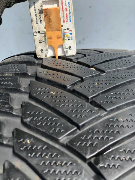 set 2 anvelope 245/45 R18 RunFlat sh iarna Dunlop 6.5mm cu garantie [6]