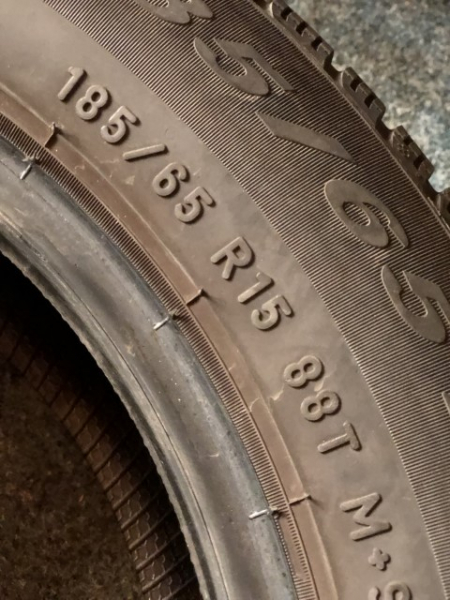 set 2 anvelope 185/65 R15 sh iarna Pirelli 6mm cu garantie [4]