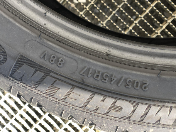set 2 anvelope 205/45 R17 sh vara Michelin 6.5mm cu garantie [3]