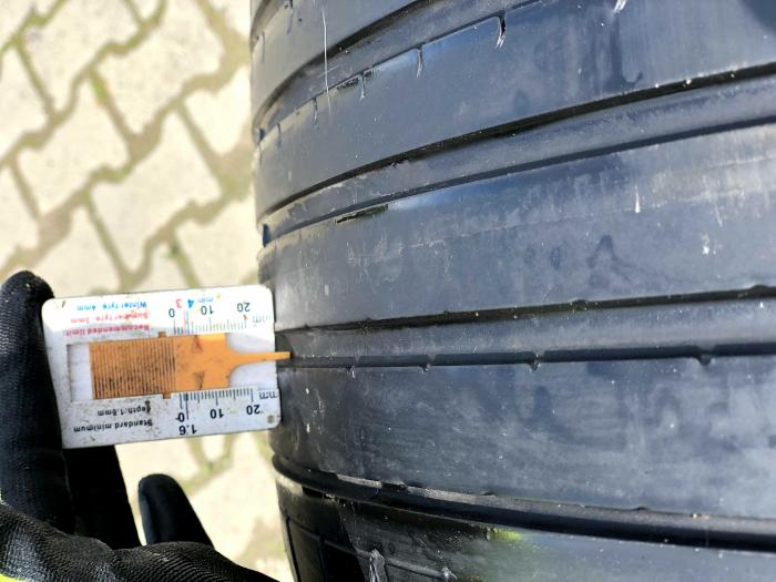 set 2 anvelope 275/35 R19 sh vara Dunlop runflat 5mm cu garantie [7]