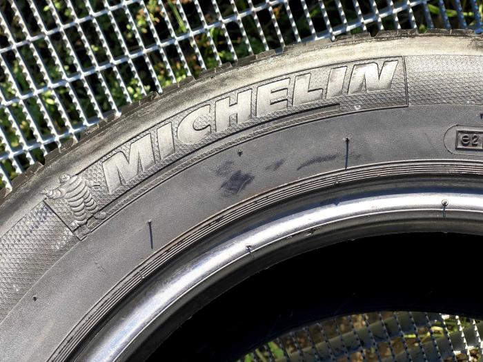 set 2 anvelope 185/65 R14 sh vara Michelin  6mm cu garantie 5