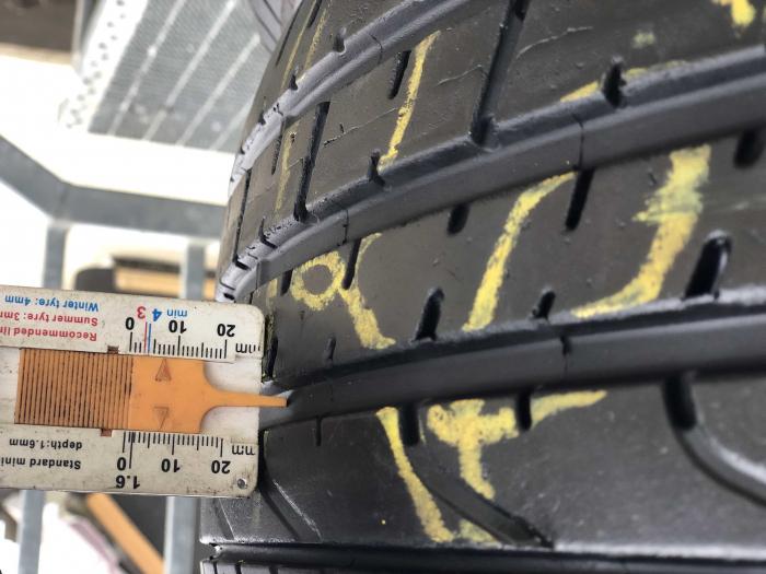set 2 anvelope 225/40 R18 Runflat sh vara Pirelli 6.5mm cu garantie [6]