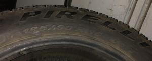 set 2 anvelope 185/60 R15 sh iarna Pirelli 6mm cu garantie3
