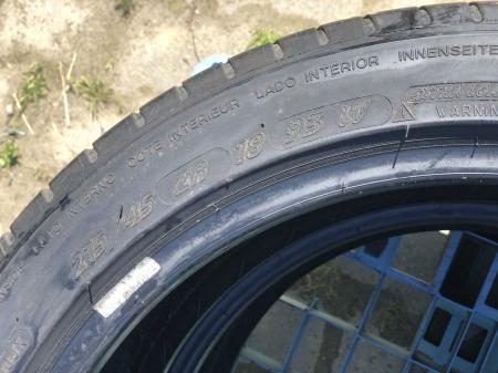 set 2 anvelope 215/45 R18  sh vara Michelin 5mm cu garantie [4]
