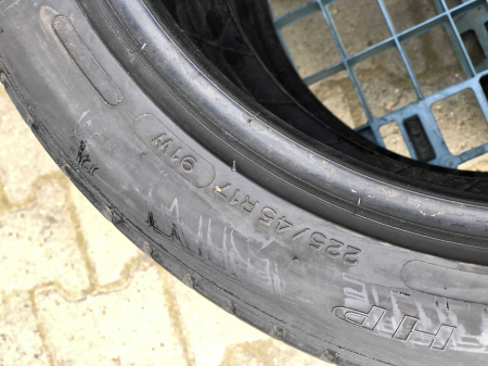 set 2 anvelope 225/45 R17 sh vara Michelin 5.5mm cu garantie [3]