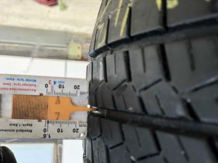 set 4 anvelope 215/65 R15C 104/102T sh vara Bridgestone 6.5mm cu garantie [5]