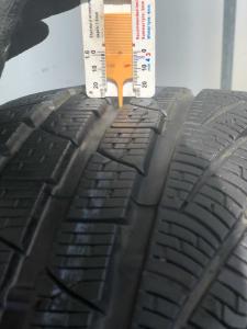 set 2 anvelope 235/35 R19 sh iarna Pirelli 7.5mm cu garantie5