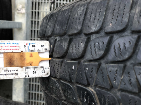 set 2 anvelope 155/60 R15 sh iarna Brigestone 7mm cu garantie [5]
