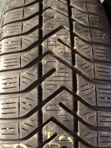 set 2 anvelope 185/65 R15 sh iarna Pirelli 6mm cu garantie [1]