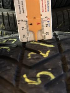 set 2 anvelope 185/65 R15 sh iarna Pirelli 6mm cu garantie [5]