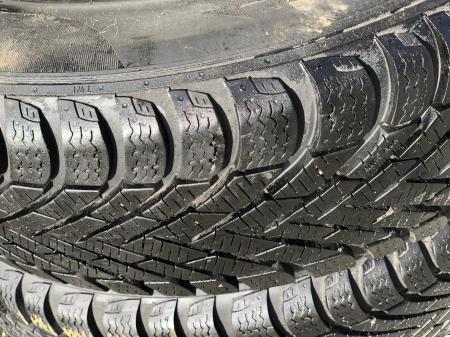 set 2 anvelope 175/65 R14 82T sh Iarna Pirelli 7mm cu garantie [2]