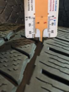 set 2 anvelope 235/65 R16c sh iarna Continental 7mm cu garantie5