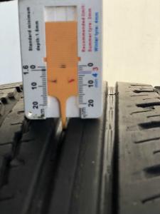 set 2 anvelope 235/65 R17 sh vara Nokian 5mm garantie [5]