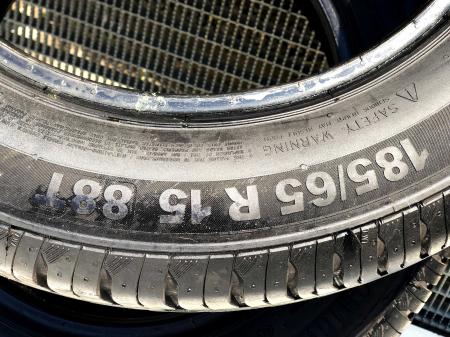 set 2 anvelope 185/65 R15 sh vara Continental 8mm cu garantie [4]
