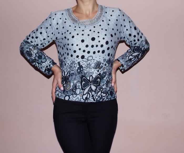 Bluza dama cu imprimeu si broderie la baza gatului- Cleo [0]