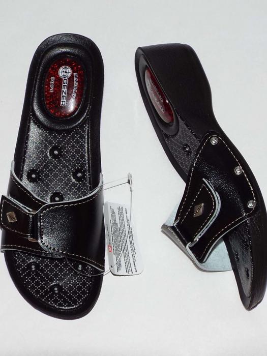 Papuci dama comozi cu gel pe talpa si catarama reglabila- Gezer Negru [0]