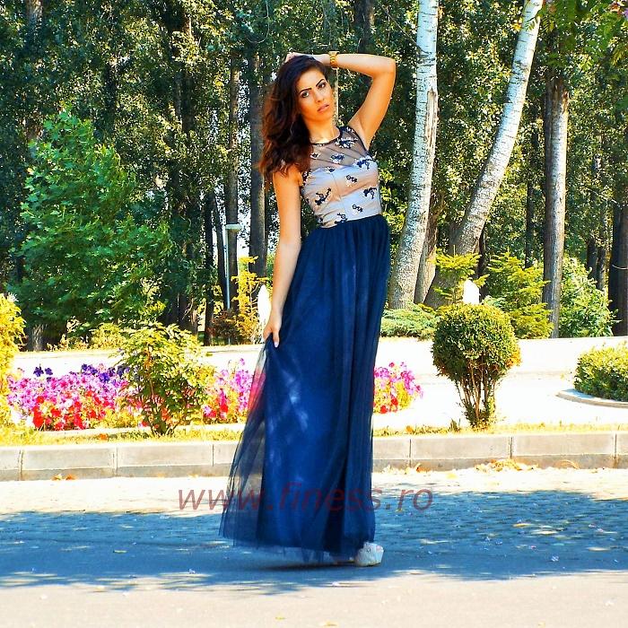 Rochie de seara cu broderie colorata si tull bleumarin - Dark blue dress 1