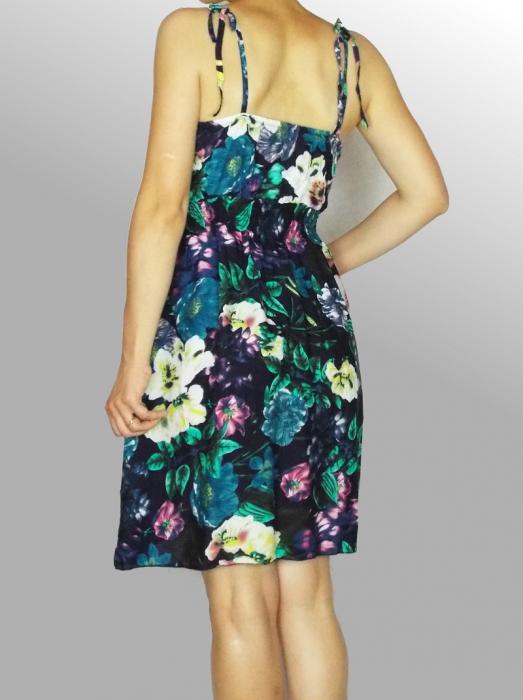 Rochie de vara cu imprimeu floral si dantela la piept - Ingrid Bleumarin 3