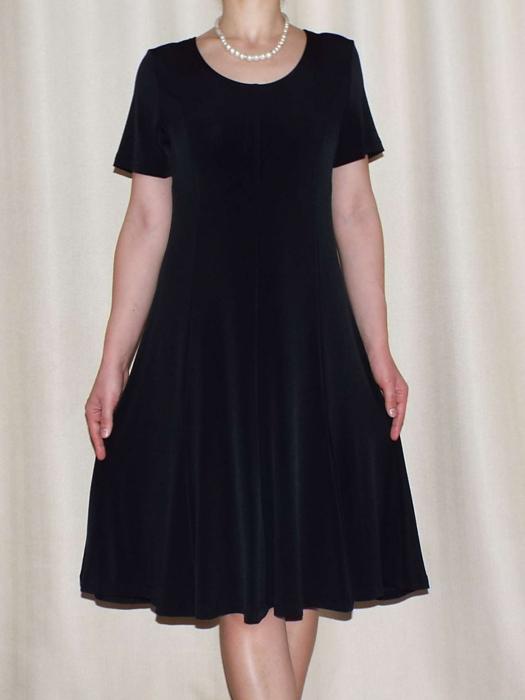 Rochie de zi din vascoza neagra cu maneca scurta - Vera Negru 0