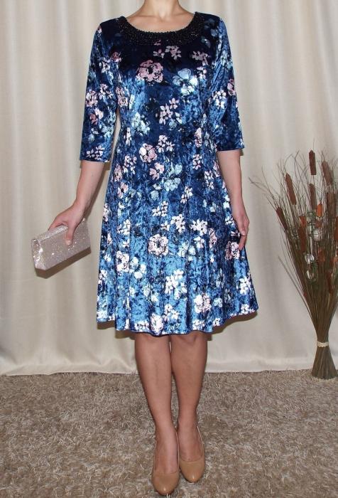 Rochie din catifea cu imprimeu si colier - Dalia Bleumarin 1