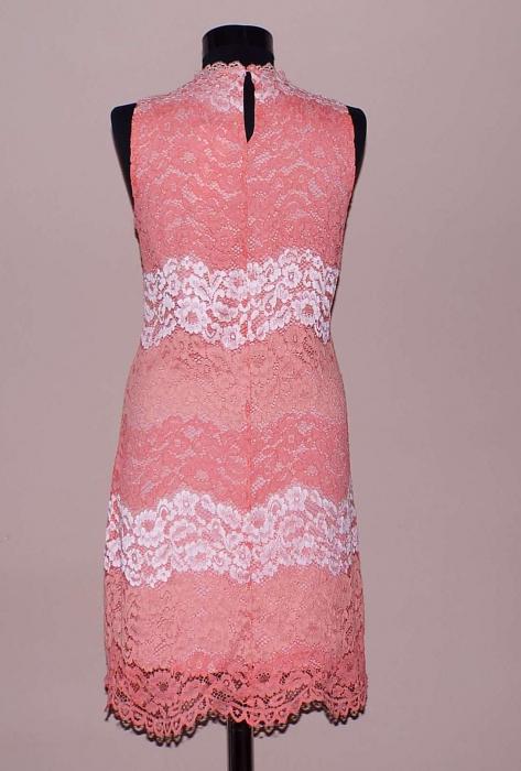 Rochie din dantela roz cu croi lejer - Dalia 1