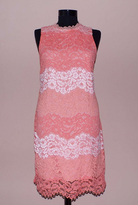 Rochie din dantela roz cu croi lejer - Dalia 0