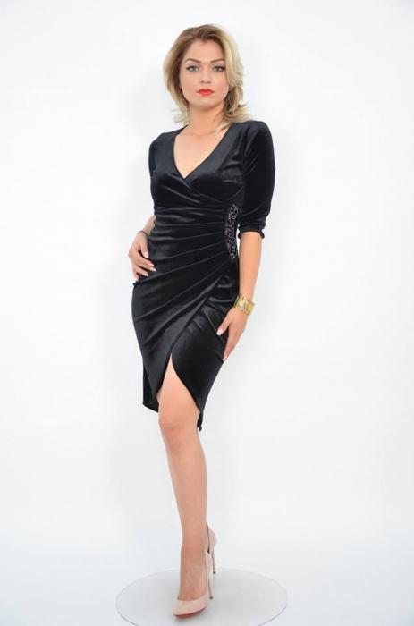 Rochie eleganta neagra din catifea cu decolteu petrecut - Carolina Negru 0