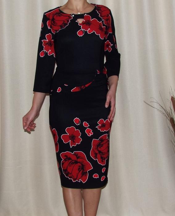 Rochie midi eleganta cu imprimeu floral si peplum - Erin Negru [0]