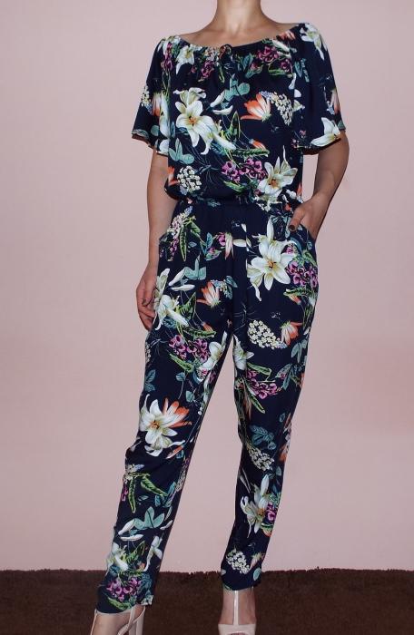 Salopeta bleumarin cu imprimeu floral si maneca scurta - Pandora Floral 1