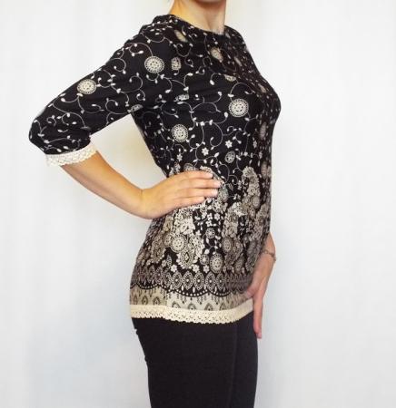 Bluza casual neagra cu imprimeu si maneca trei sferturi- B1251