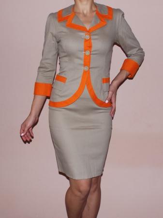 Costum elegant din bumbac bej cu insertii portocalii – C016F160
