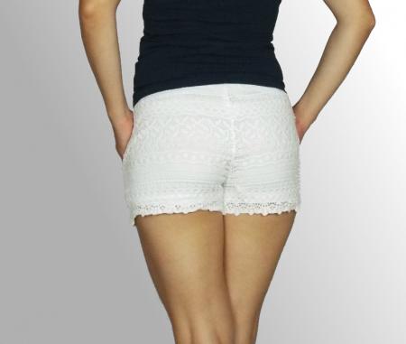 Pantaloni scurti din dantela cu buzunare laterale - Feli2